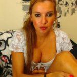 fille retire lingerie pour cam erotiquel 115