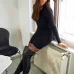 La-fille-la-plus-sexy-en-cuissardes-019