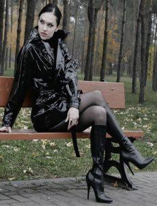 belles-femmes-en-cuissardes-119