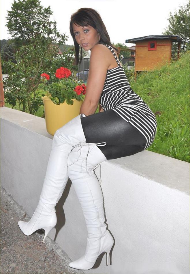 femmes-avec-cuissardes-129