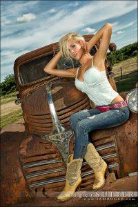 femmes-en-cuissardes-cuir-photos-129