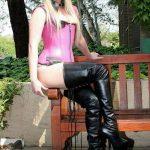 fille-sexy-en-cuissardes-033