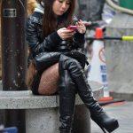 image-femme-en-cuissarde-cuir-052