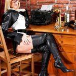 photo-de-femme-avec-des-bottes-ou-cuissarde-122
