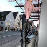 photos-de-filles-en-cuissardes-145