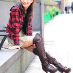 photos-femme-en-cuir-et-cuissardes-030