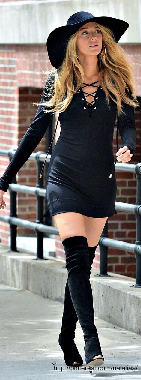 photos-femmes-cuir-cuissardes-103
