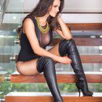 photos-femmes-cuir-cuissardes-117