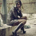 photos-femmes-cuir-cuissardes-133