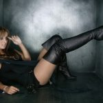 photos-femmes-en-cuir-et-cuissardes-sexy-027